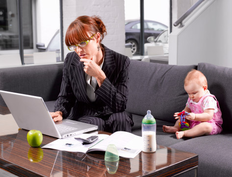 Сейчас много возможностей, которые позволяют овладеть трудовыми навыками во время декрета, огромное количество.